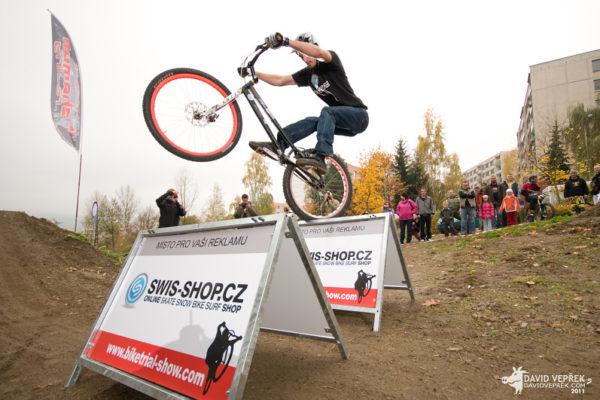Biketrial-exibice-De čín-2012-Žoržo-03